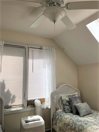 Oak Bluffs, Walk to town- quiet location Martha's Vineyard vacation rental - Ceiling fans, skylights and AC
