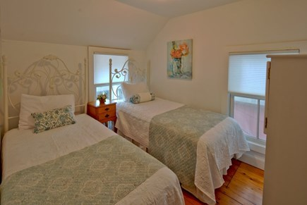 Oak Bluffs Martha's Vineyard vacation rental - Cozy room with twin beds
