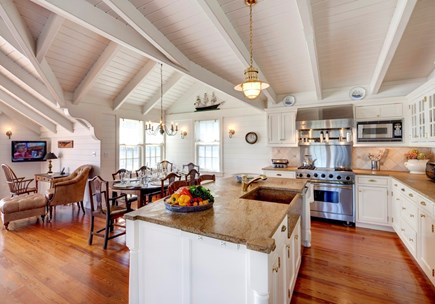 Edgartown, The Dexter House Martha's Vineyard vacation rental - Fully-Equipped Chef's Kitchen