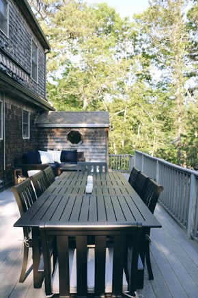 Oak Bluffs, Meadow View Farms Martha's Vineyard vacation rental - Dining on the deck