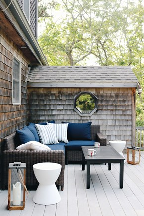 Oak Bluffs, Meadow View Farms Martha's Vineyard vacation rental - Relaxing on the deck