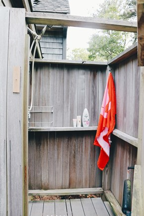 Oak Bluffs, Meadow View Farms Martha's Vineyard vacation rental - Outdoor shower