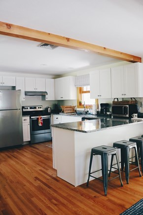 Oak Bluffs, Meadow View Farms Martha's Vineyard vacation rental - Fully equipped kitchen