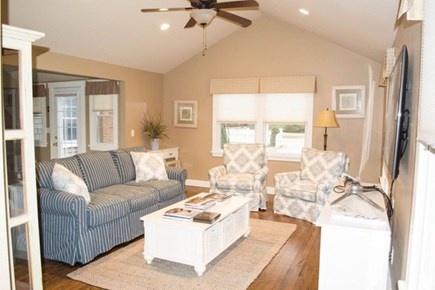 Katama - Edgartown Martha's Vineyard vacation rental - The living rook with comfortable seating and 55 inch television!