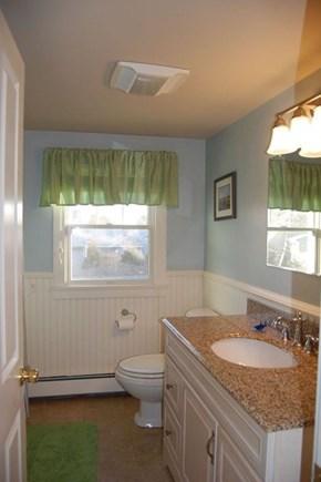 Katama - Edgartown Martha's Vineyard vacation rental - Upstairs bathroom