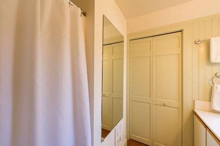Oak Bluffs Martha's Vineyard vacation rental - Full bathroom