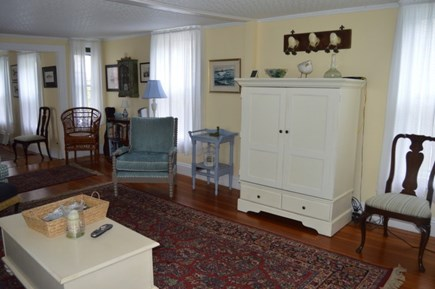 Downtown Oak Bluffs Martha's Vineyard vacation rental - Living room