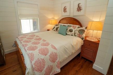 Oak Bluffs Martha's Vineyard vacation rental - Queen Guest 2