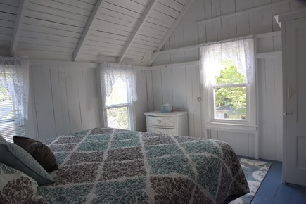 Oak Bluffs Martha's Vineyard vacation rental - Sand Dollar Room - 1 Queen Bed