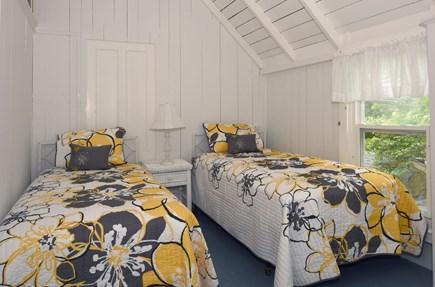 Oak Bluffs Martha's Vineyard vacation rental - Gingerbread Room - 2 Twin Beds