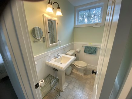 Katama - Edgartown Martha's Vineyard vacation rental - Second floor bathroom