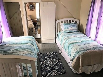 Oak Bluffs Martha's Vineyard vacation rental - Twin bed room