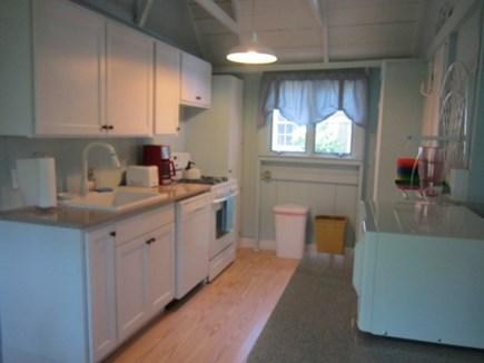 Oak Bluffs, Copeland District Martha's Vineyard vacation rental - Cute kitchen bright and cheery