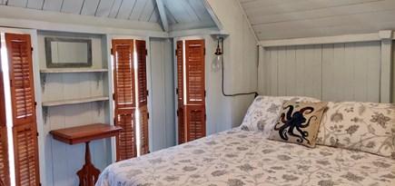 Oak Bluffs Martha's Vineyard vacation rental - Bedroom with new queen bed