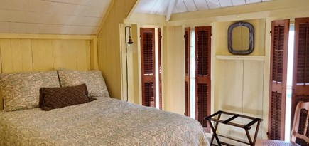 Oak Bluffs Martha's Vineyard vacation rental - Bedroom with full bed