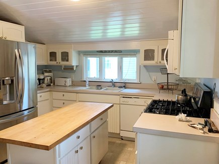 Oak Bluffs, In Town near Niantic Martha's Vineyard vacation rental - Kitchen