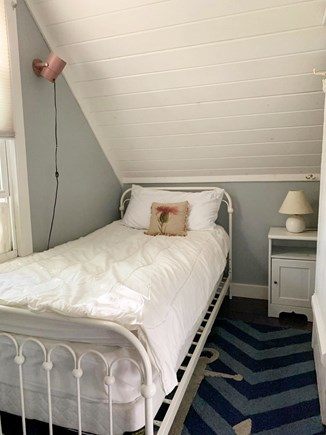 Oak Bluffs, In Town near Niantic Martha's Vineyard vacation rental - Twin bedroom
