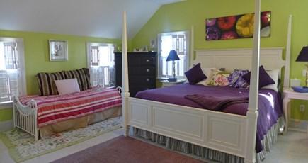Oak Bluffs Martha's Vineyard vacation rental - 2nd Floor Master King En suite