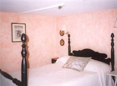 52 Church Avenue, Oak bluffs Martha's Vineyard vacation rental - The peach room