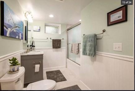 Chilmark Martha's Vineyard vacation rental - Downstairs bathroom with tub.