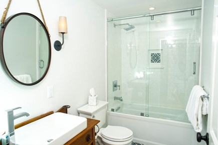 Edgartown Martha's Vineyard vacation rental - Second floor bathroom.