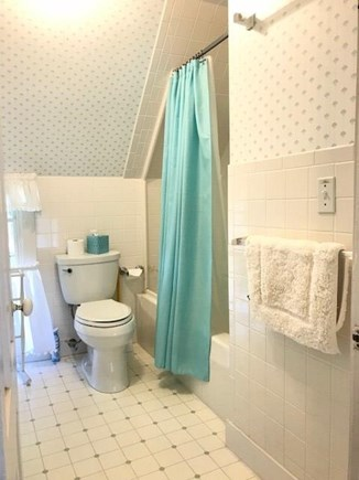 Oak Bluffs Martha's Vineyard vacation rental - Upstairs front bathroom with tube and shower