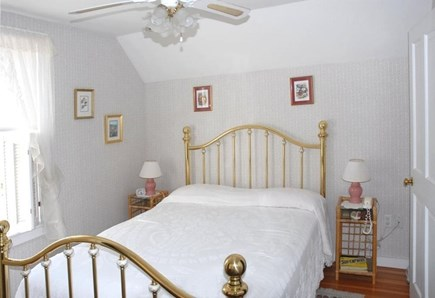 Oak Bluffs Martha's Vineyard vacation rental - Back queen bedroom with clothes  closet