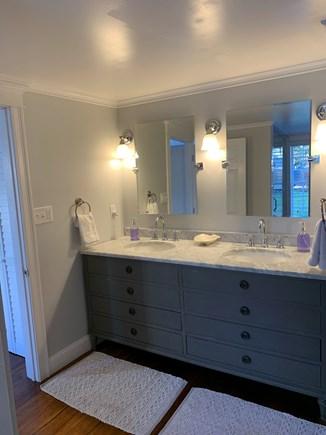 Vineyard Haven Martha's Vineyard vacation rental - Full bath