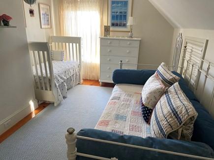 Edgartown Martha's Vineyard vacation rental - Single Bed with crib