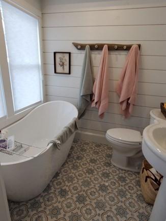 Vineyard Haven Martha's Vineyard vacation rental - Bath with tub