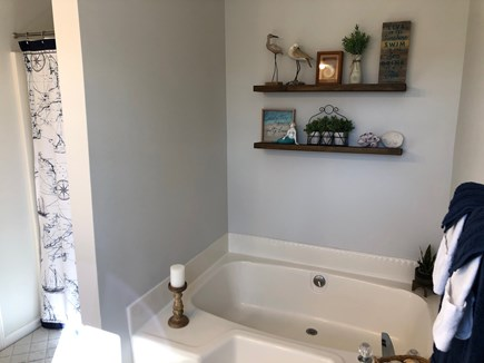Vineyard Haven Martha's Vineyard vacation rental - Relax in our luxurious soaking tub or rinse off after a long day.