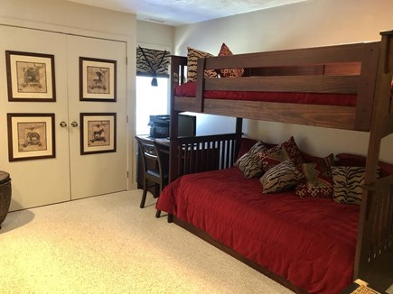 West Tisbury, Upper Makonikey Martha's Vineyard vacation rental - Twin Room with 2 sets of Bunks and private bath