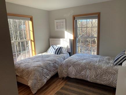 Aquinnah, Tashtego's Tree House Martha's Vineyard vacation rental - Twin bedroom