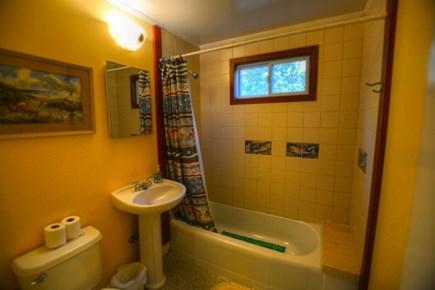 Chilmark, Menemsha Martha's Vineyard vacation rental - Bathroom with tub