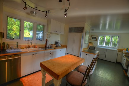 Chilmark, Menemsha Martha's Vineyard vacation rental - Very functional and people can chat with the chef