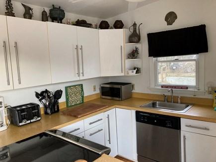 Oak Bluffs-Brush Pond/Eastvill Martha's Vineyard vacation rental - Fully equipped kitchen
