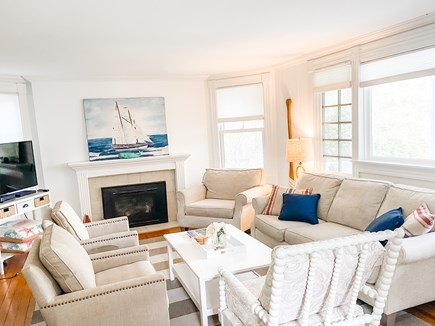 Oak Bluffs, East Chop Martha's Vineyard vacation rental - Living room - seats 7