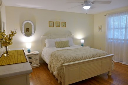 Oak Bluffs Martha's Vineyard vacation rental - First bedroom with Queen bed