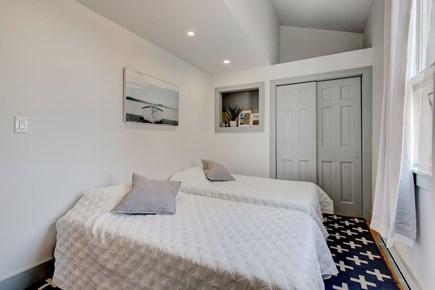 West Tisbury Martha's Vineyard vacation rental - Hallway Bedroom - 2 Twins or King Bed