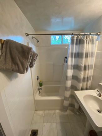 Oak Bluffs, East Chop Highlands, Oak Bluff Martha's Vineyard vacation rental - Master rear bath