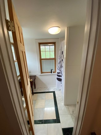 Oak Bluffs, East Chop Highlands, Oak Bluff Martha's Vineyard vacation rental - Front Bath