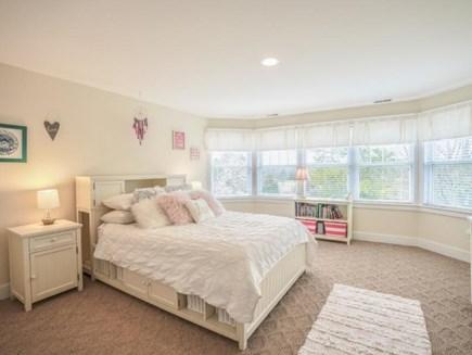 Edgartown Martha's Vineyard vacation rental - Bedroom #2 Queen Bed (shares Full Bath with Bed #3  Twin Bedroom)