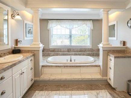 Edgartown Martha's Vineyard vacation rental - Primary Ensuite Bathroom with Jacuzzi Tub