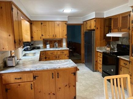 EDGARTOWN Historic District Martha's Vineyard vacation rental - Kitchen features new appliances and granite counters.