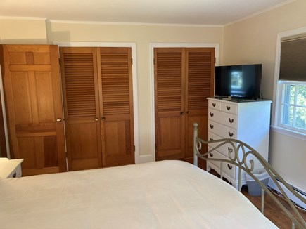 EDGARTOWN Historic District Martha's Vineyard vacation rental - Primary bedroom has two closets and TV.