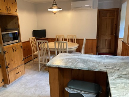 EDGARTOWN Historic District Martha's Vineyard vacation rental - Seating for 6 in the kitchen with TV