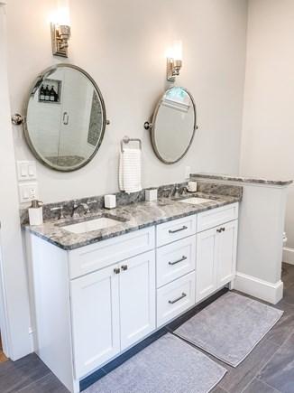 Edgartown Martha's Vineyard vacation rental - 1st Floor King Luxury Full Bath