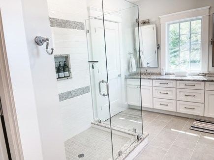 Edgartown Martha's Vineyard vacation rental - 2nd Floor Full Luxury Bath Jack and Jill