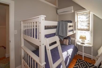 Oak Bluffs Martha's Vineyard vacation rental - Bedroom upstairs with bunk