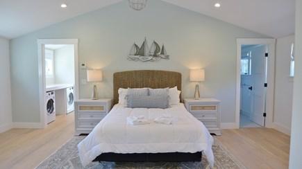 Oak Bluffs Martha's Vineyard vacation rental - 2nd Floor Queen en-suite in a Private Wing
